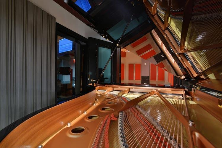 Студии звукозаписи в новом здании колледжа Беркли