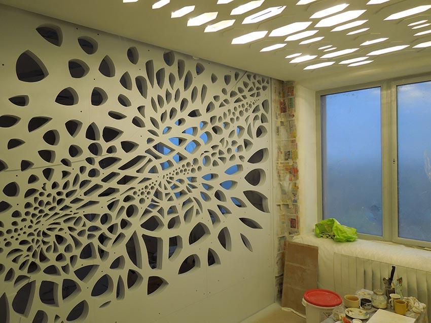 декоративная стена со стороны гостевой спальни